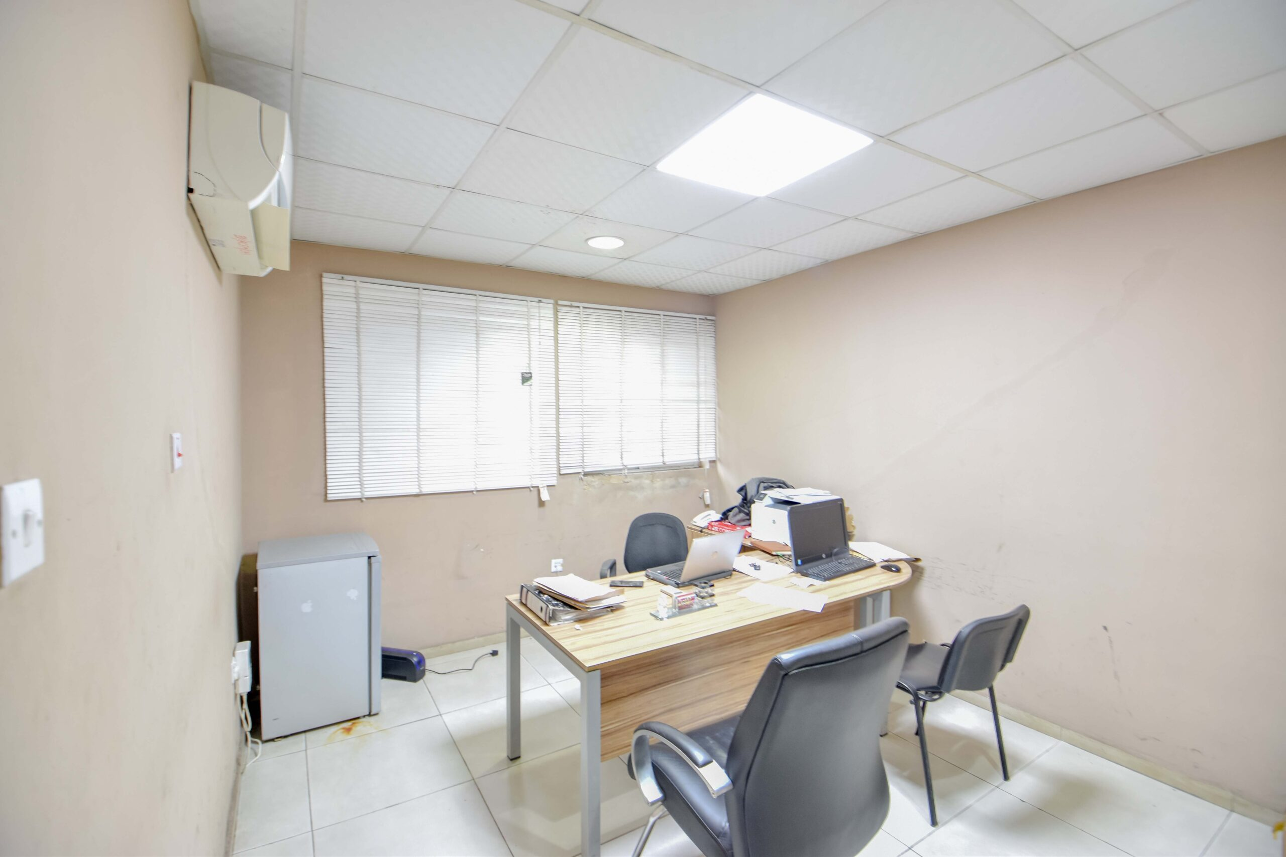 Office Space, Apapa